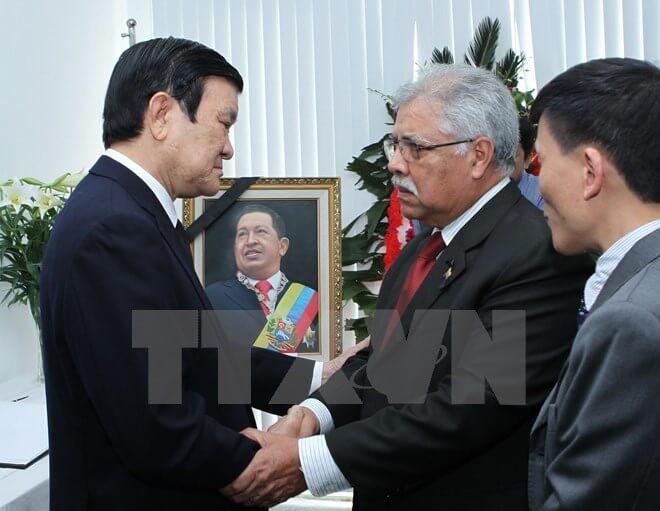 Tưởng niệm 2 năm ngày mất của Tổng thống Hugo Chavez tại Hà Nội