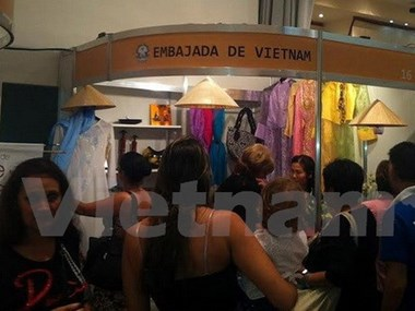 Vietnam joins int'l trade fair in Venezuela
