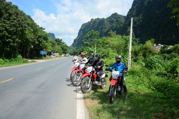 Top 10 reasons why you can't say NO to a Vietnam motorbike tour
