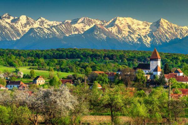 Khám phá Romania xinh đẹp đầy sắc màu